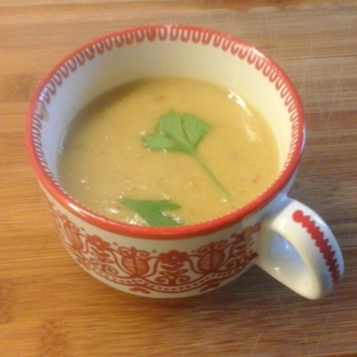 Vöröslencse-leves Kikkertől