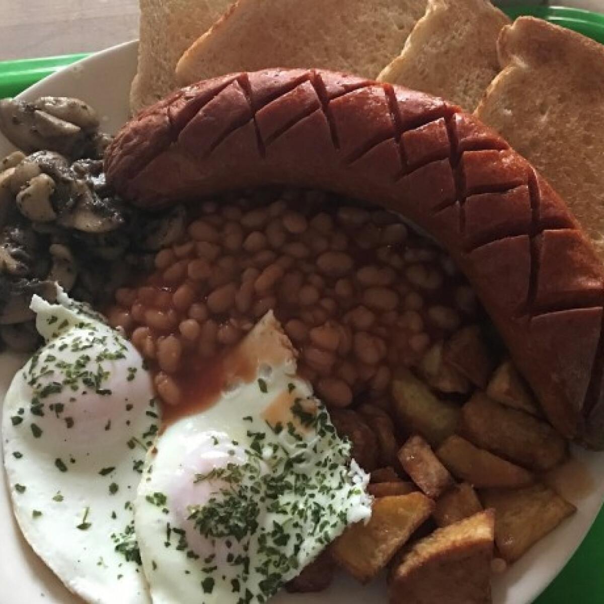 Ezen a képen: Angol reggeli Barbeey konyhájából
