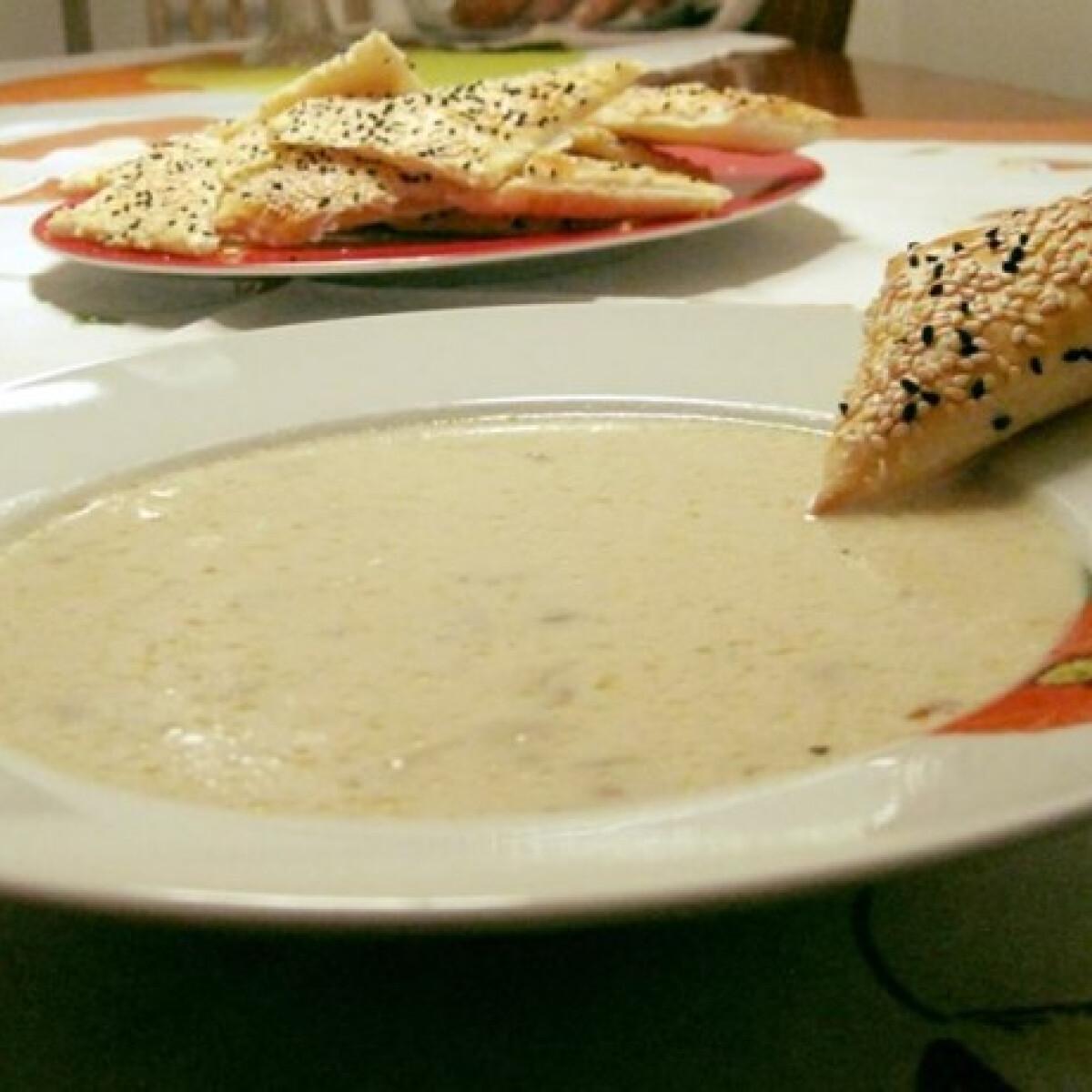 Ezen a képen: Gombás sajtkrémleves fehérborral