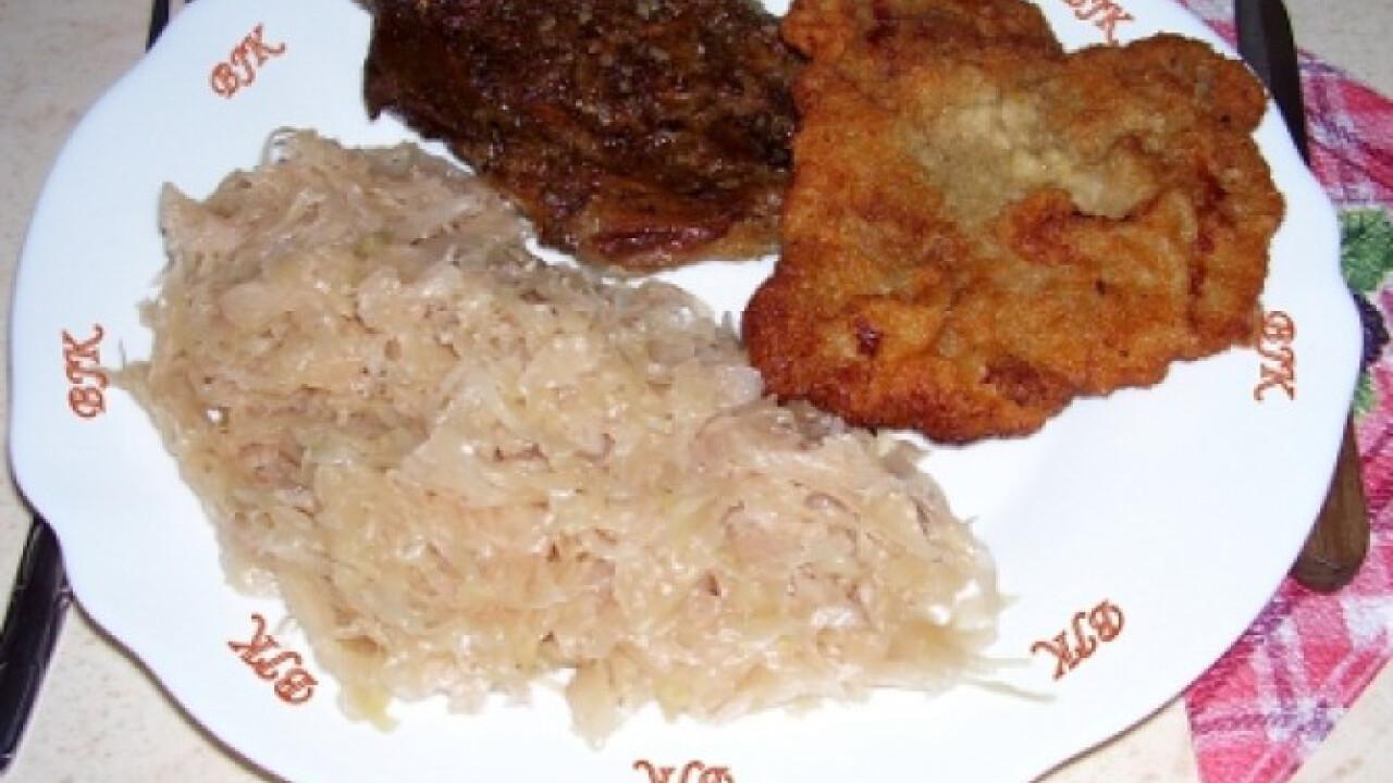 Fűszeres sült tarja és rántott karaj