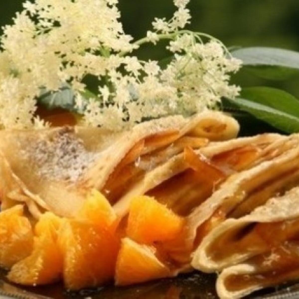 Ezen a képen: Bodzavirágos palacsinta narancsdzsemmel