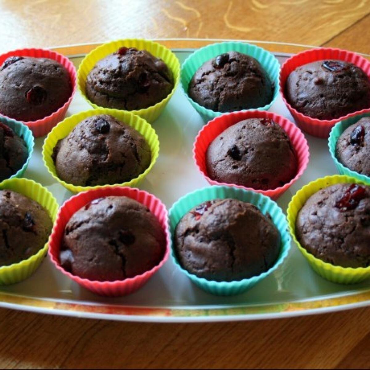 Ezen a képen: Csokoládés-áfonyás muffin