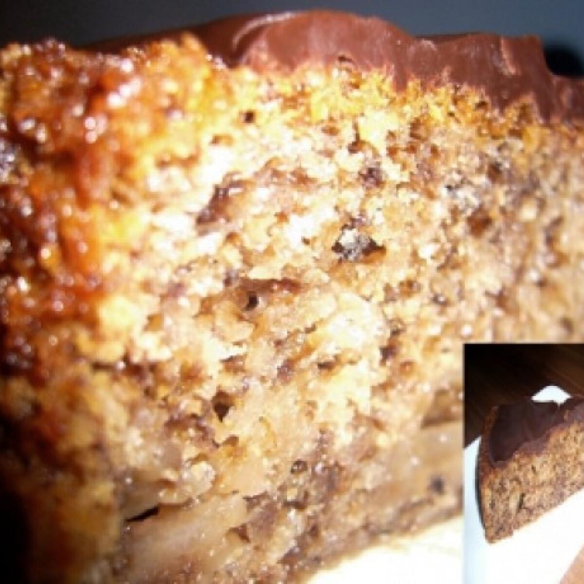 Ezen a képen: Körtés-diós bögrés süti