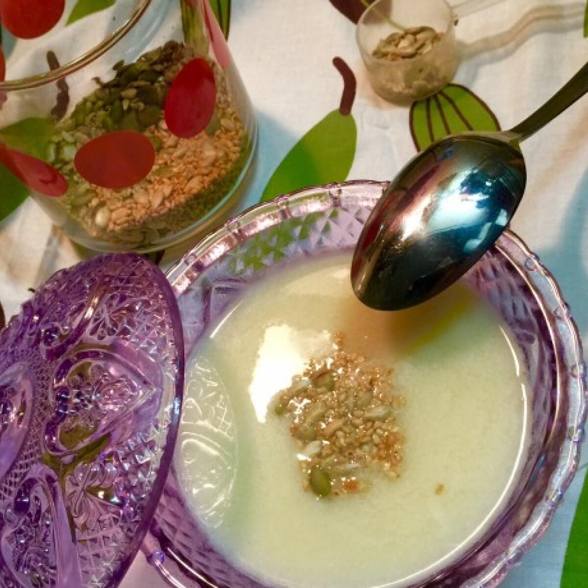 Ezen a képen: Kókuszos burgonyakrémleves lisztmentesen