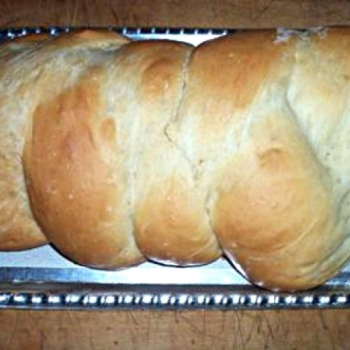 Ezen a képen: Foszlós kalács tzsupi konyhájából