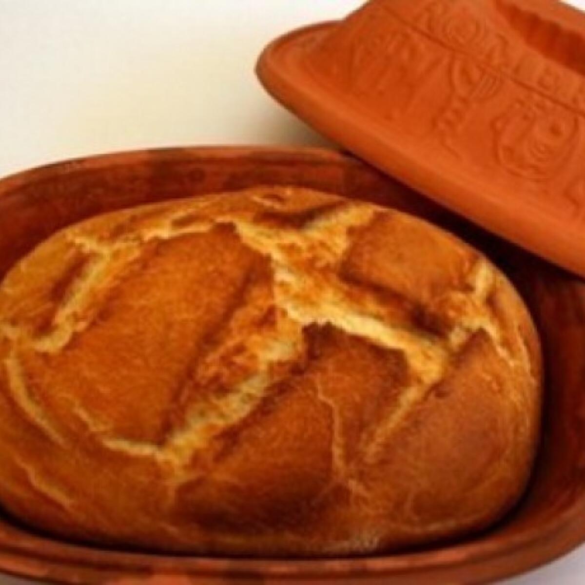 Ezen a képen: Házi fehér kenyér 11. -  Pataki tálban