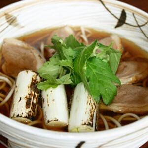 Melegítő leves kacsával és soba tésztával