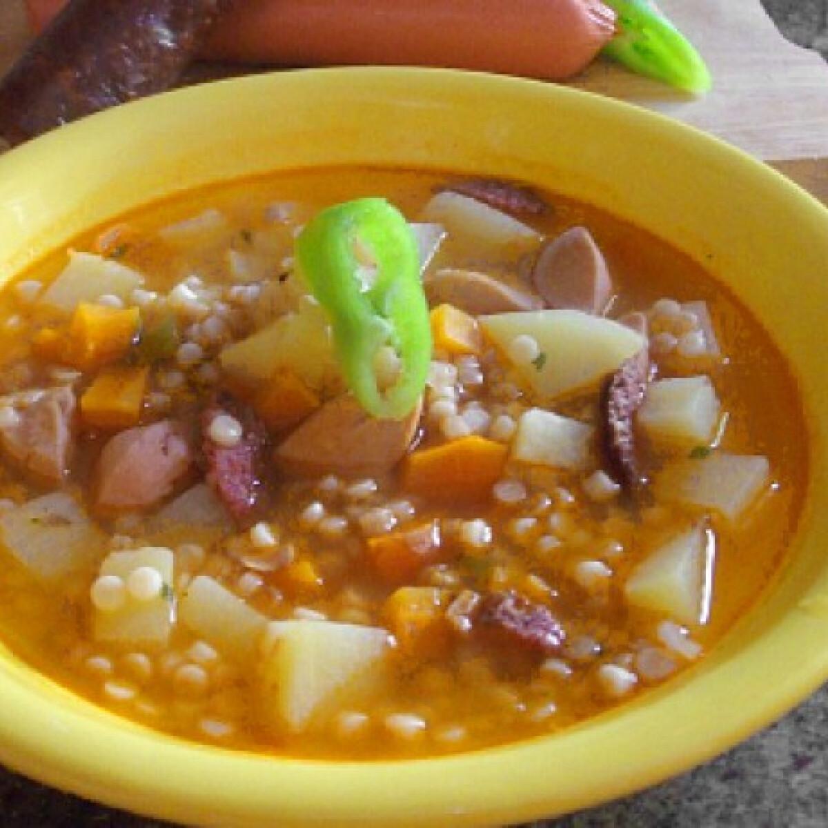 Ezen a képen: Vendégváró tarhonya leves