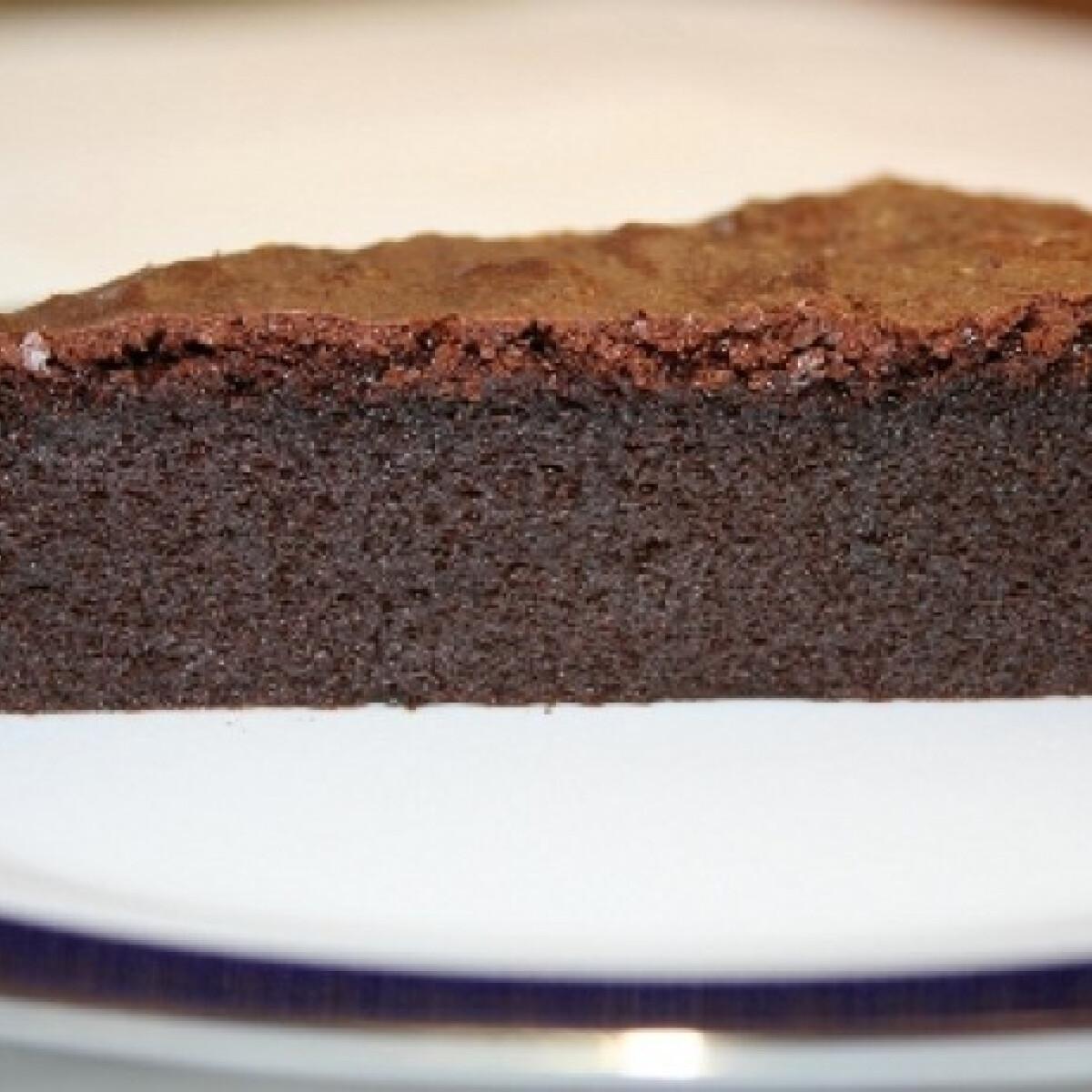 Ezen a képen: Csokihab torta