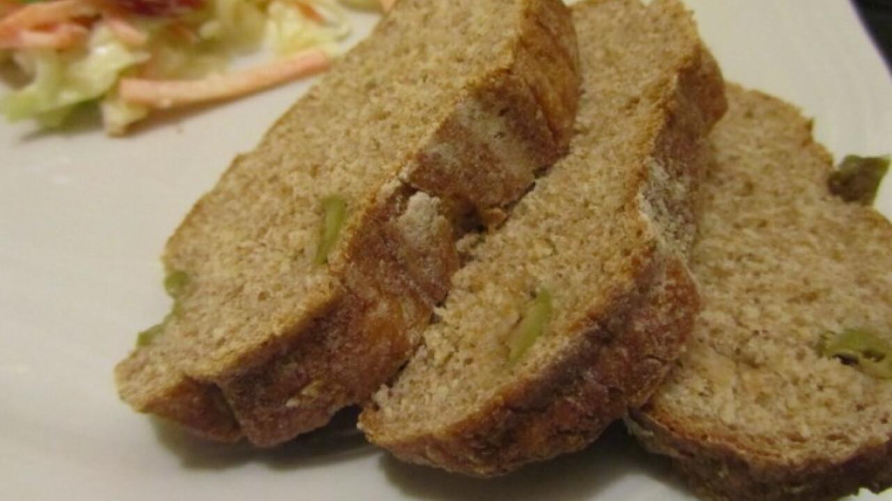 Gesztenyelisztes kenyér olívával