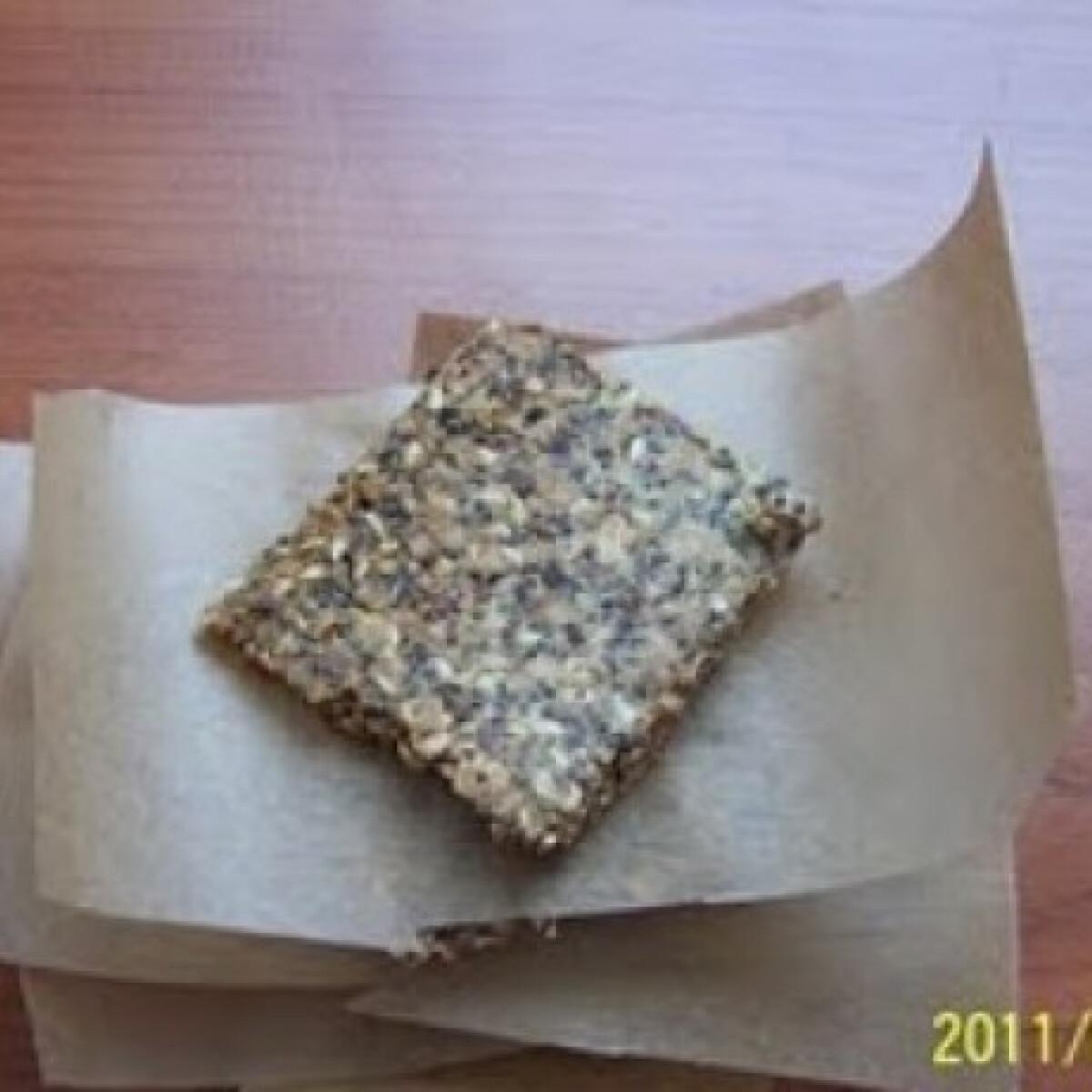 Ezen a képen: Gluténmentes magvas keksz