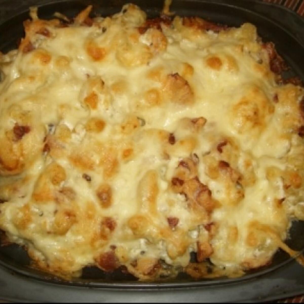 Ezen a képen: Sütőben sült sztrapacska sajtos szalonnával