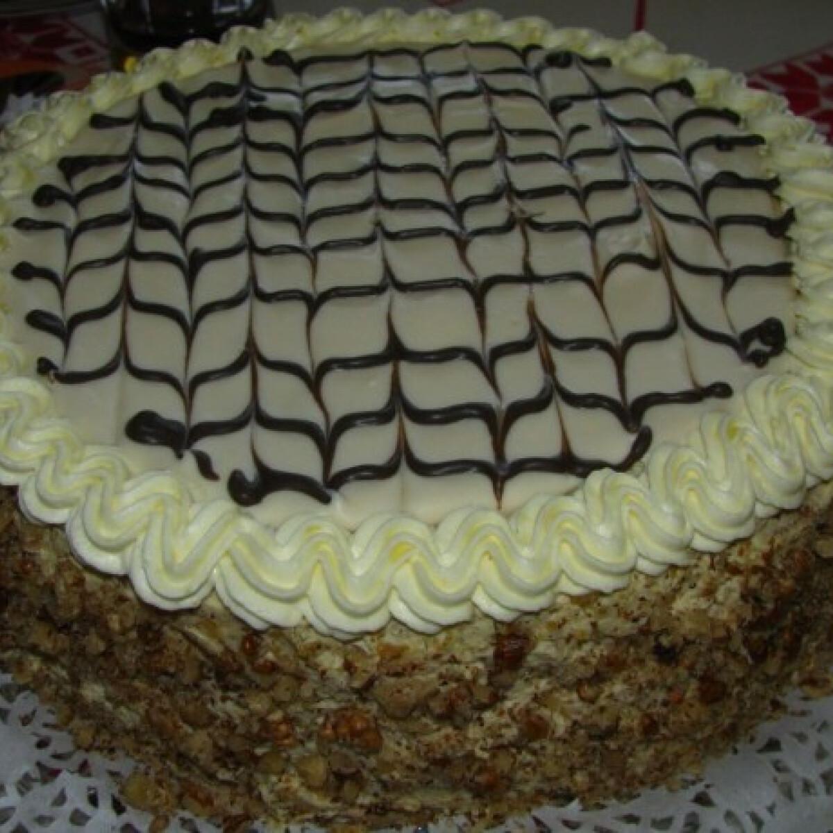 Ezen a képen: Eszterházy torta Zsizsutól