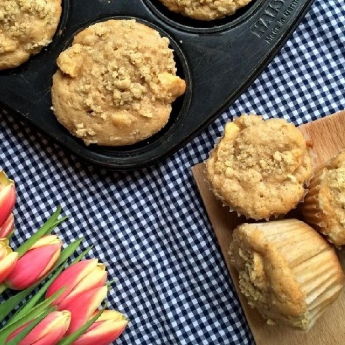 Almás-morzsás muffin