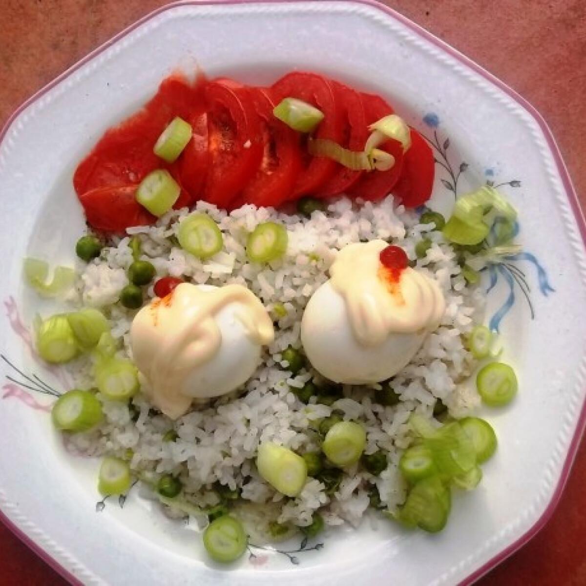Ezen a képen: Majonézes főtt tojás zöldborsós rizzsel