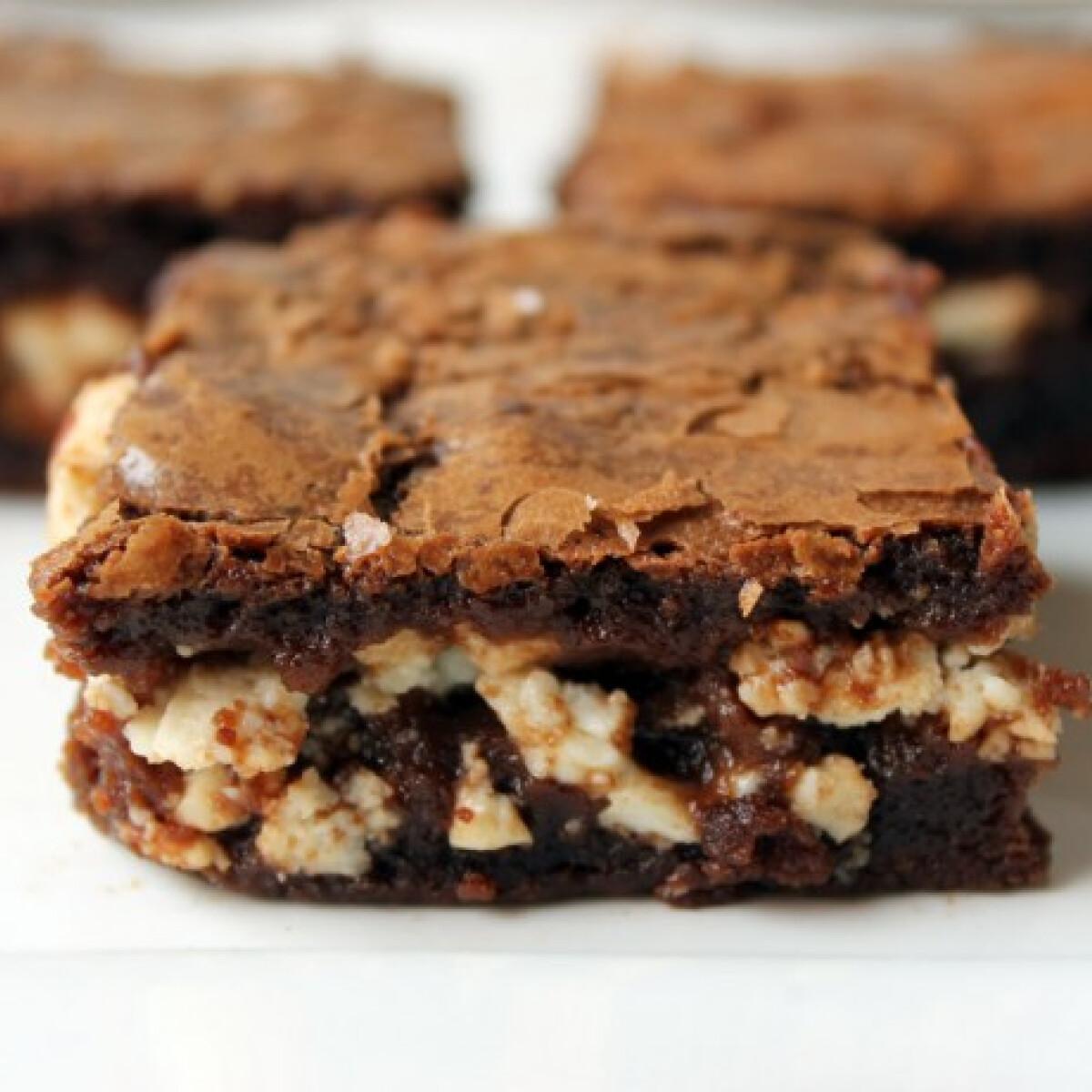 Ezen a képen: Túrókrémes brownie