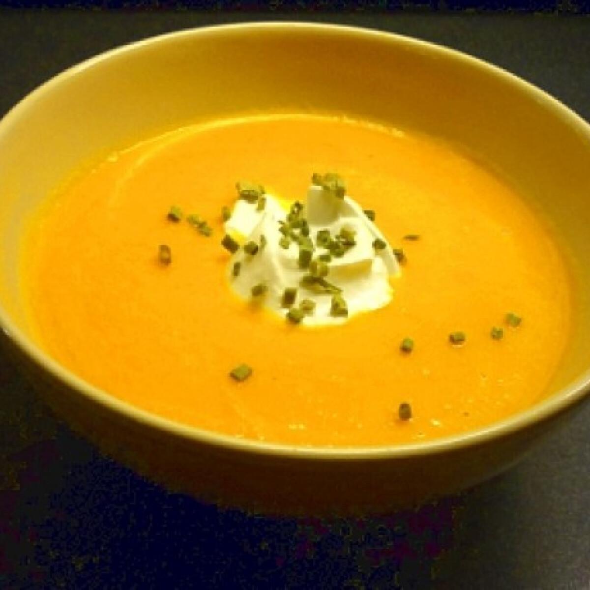 Ezen a képen: Gyömbéres sárgarépa leves Pimkie-től