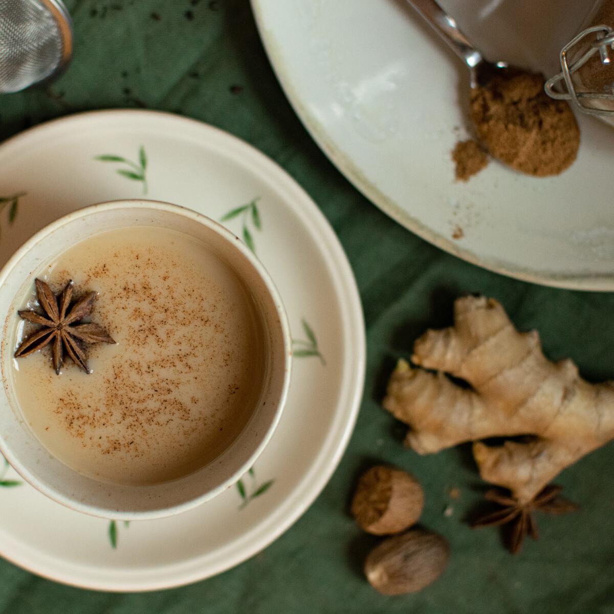 Ezen a képen: Masala chai és chai fűszerkeverék