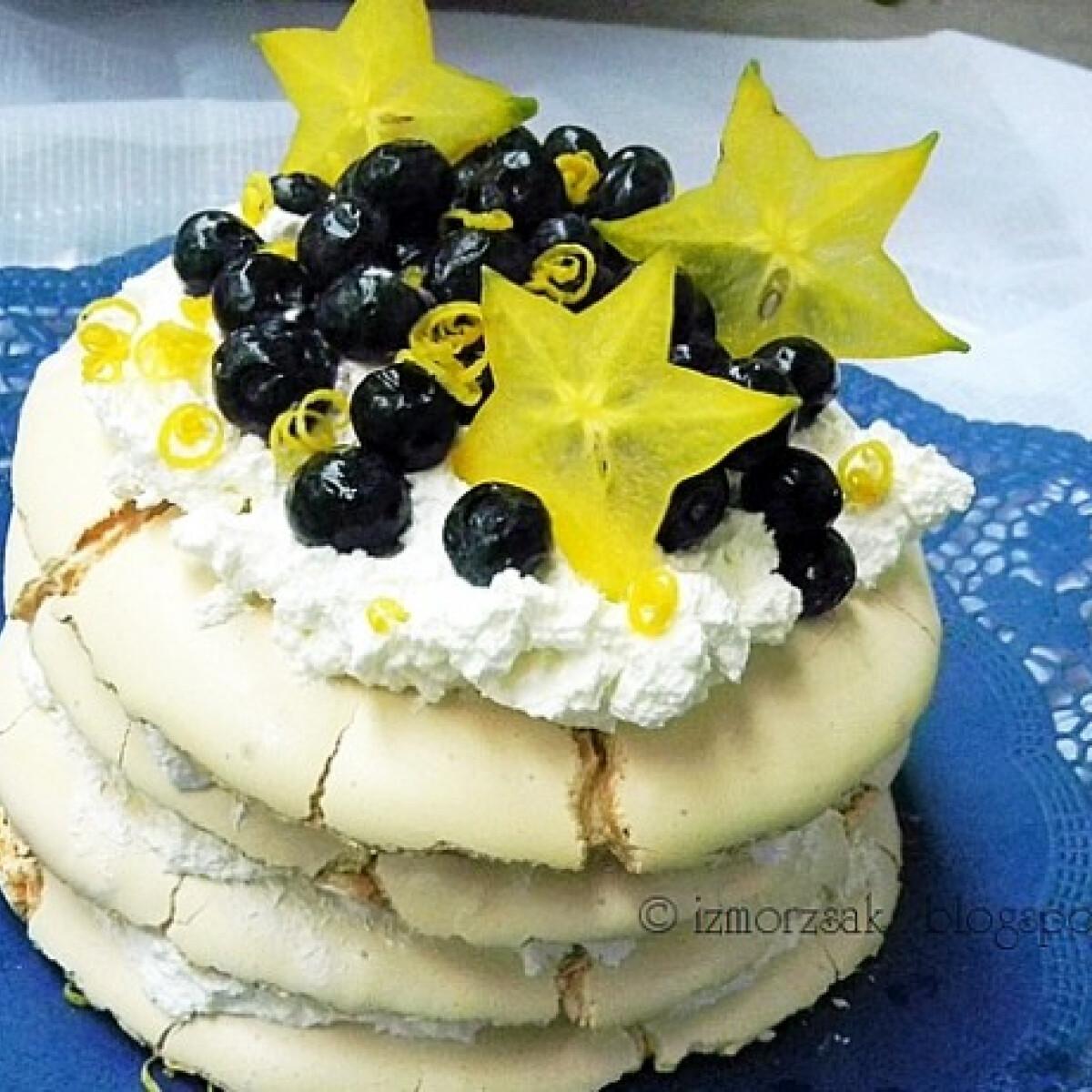 Ezen a képen: Emeletes - majdnem - Pavlova torta