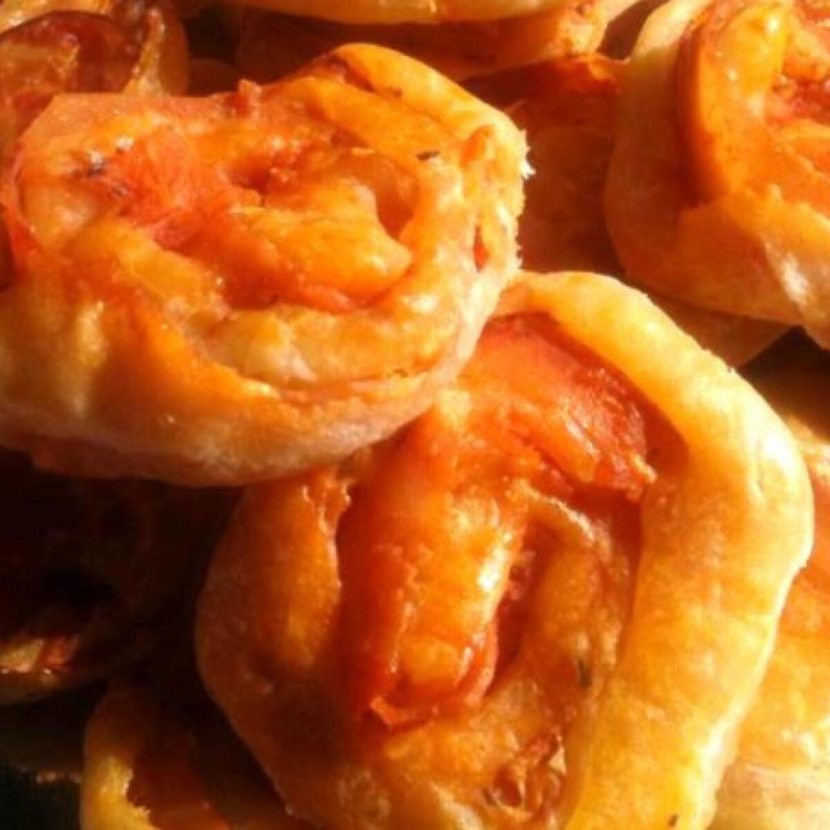 Falatnyi pizzás csigák