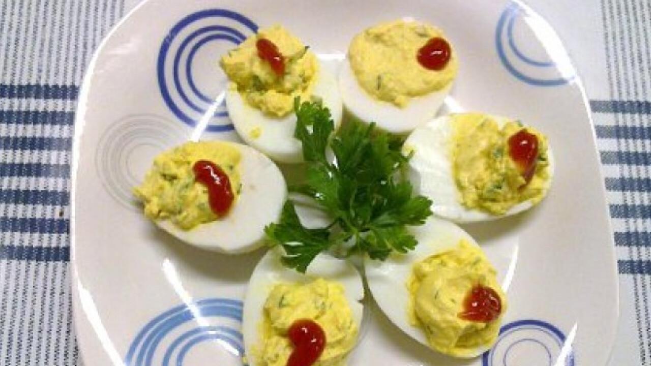 Petrezselymes töltött tojás
