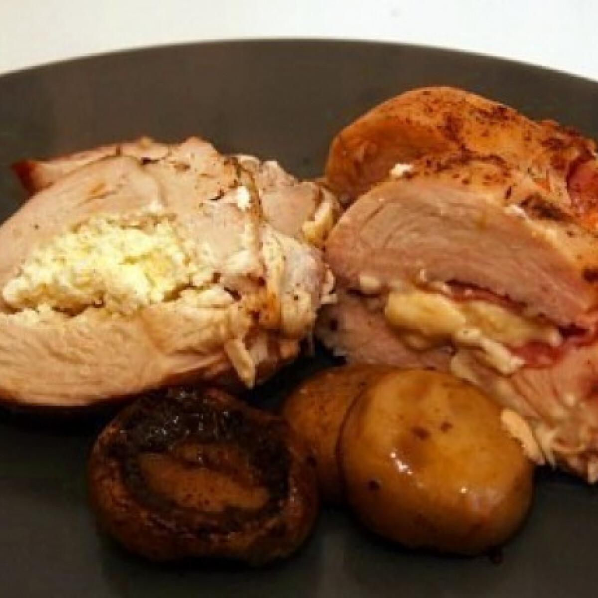 Ezen a képen: Füstölt sajtos-sonkás és fetás csirkemell pirított gombával
