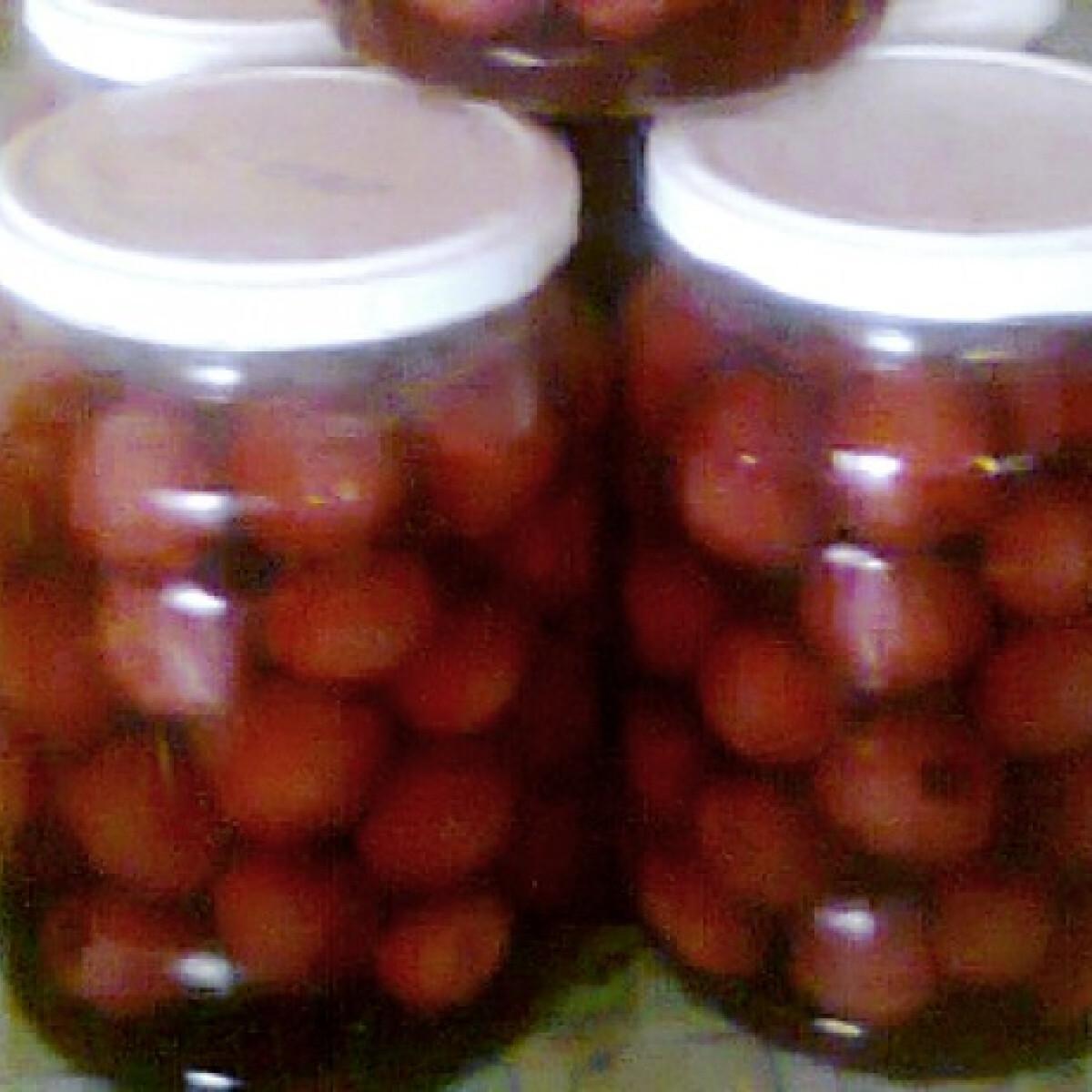 Ezen a képen: Legkönnyebb cseresznye- vagy meggybefőtt