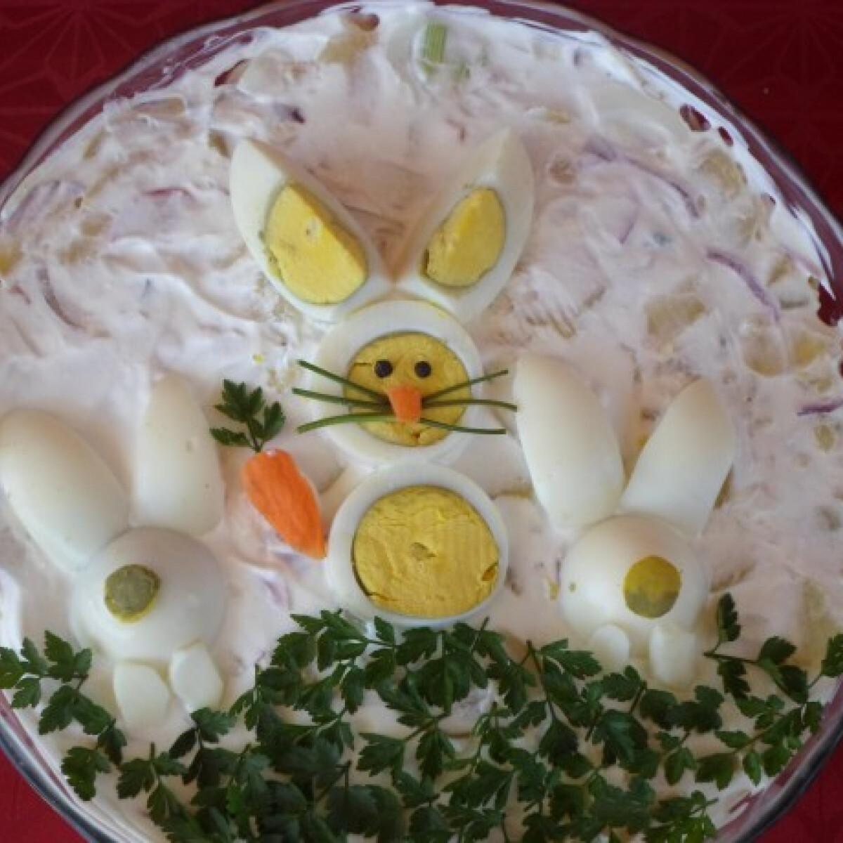 Ezen a képen: Tojásos-zöldséges saláta