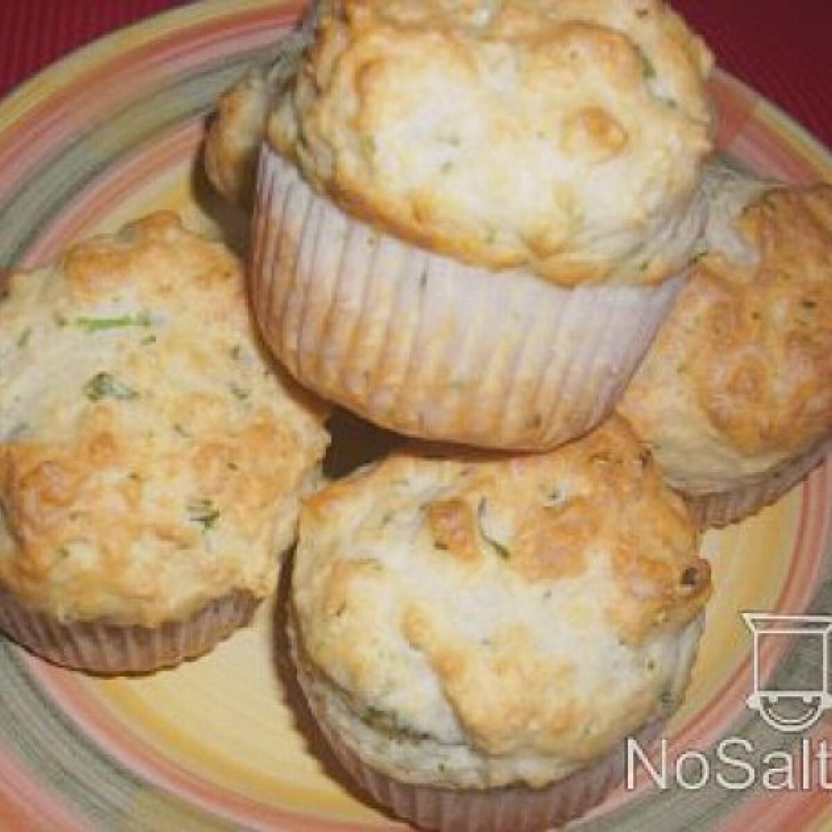 Ezen a képen: Sajtos - fűszeres muffin