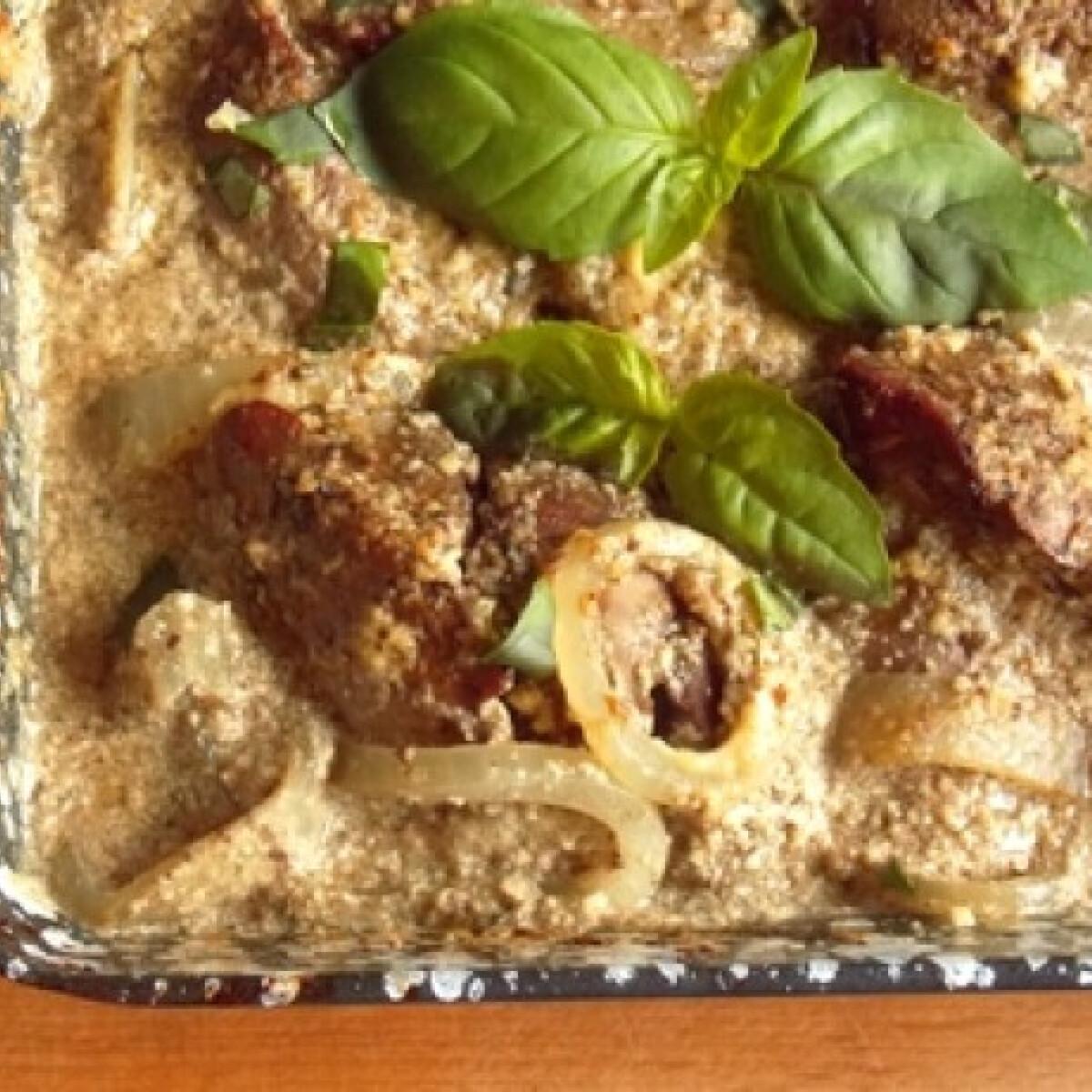 Ezen a képen: Hagymás csirkemáj fűszeres tejfölben