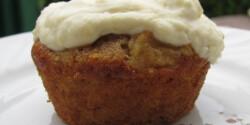 Fehérrépatorta-muffin mascarponekrémmel