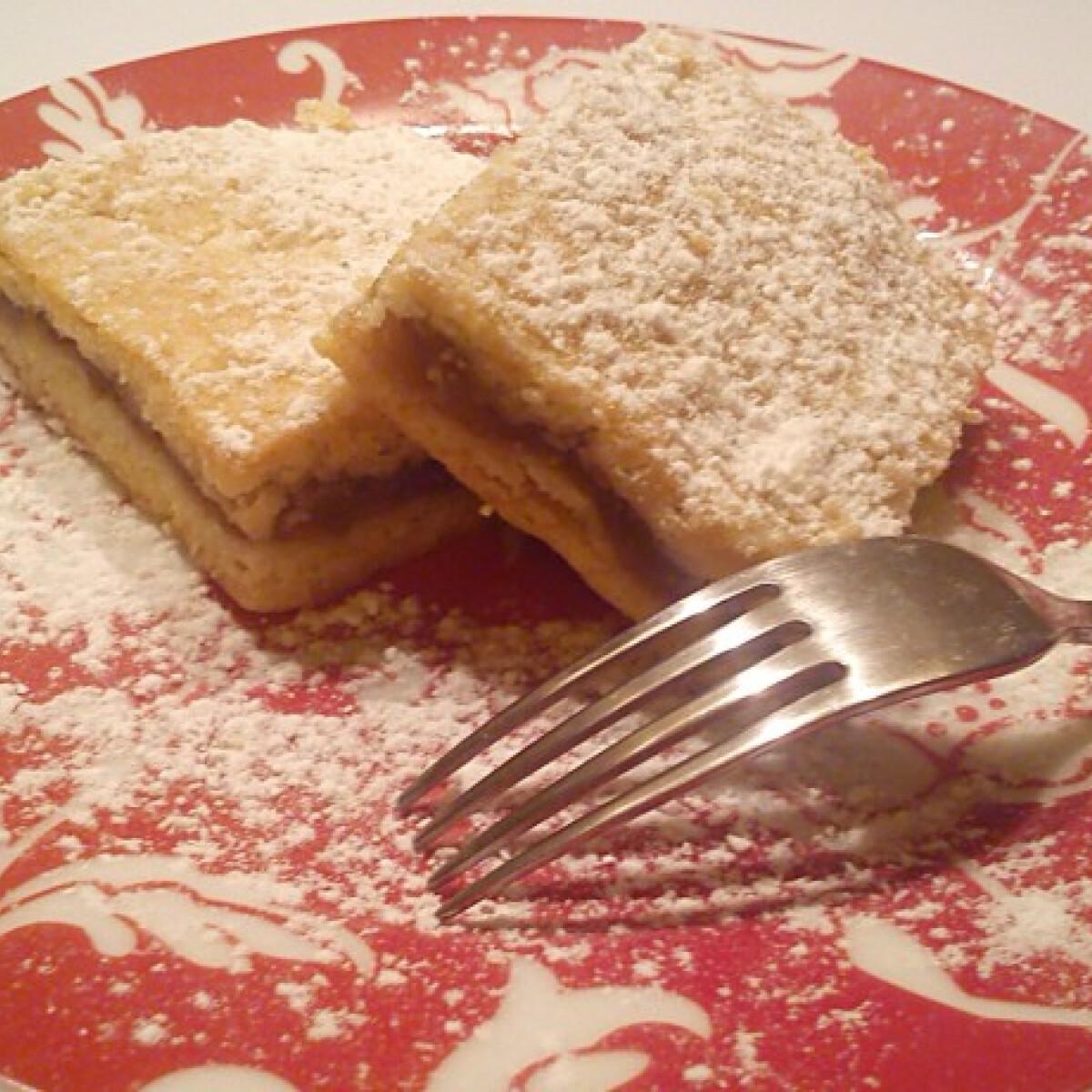 Ezen a képen: Legfinomabb almás pite