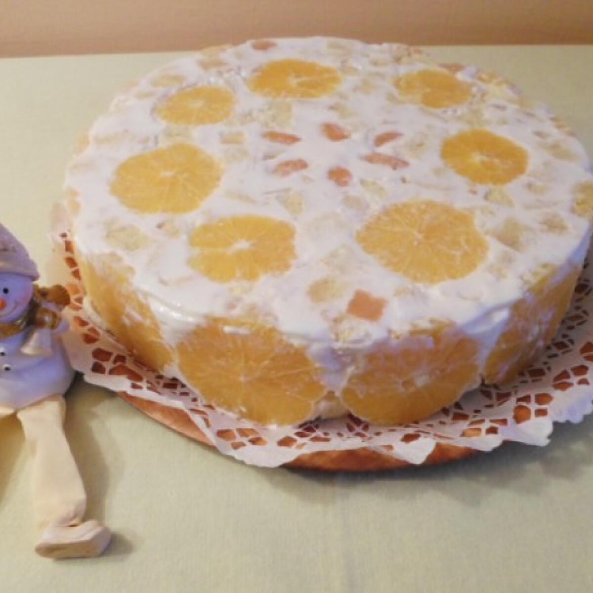 Ezen a képen: Narancsos-tejfölös torta