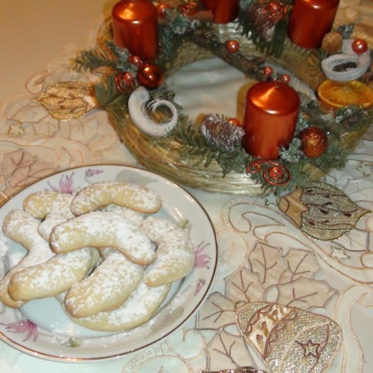Ezen a képen: Vaníliás kifli Anita konyhájából
