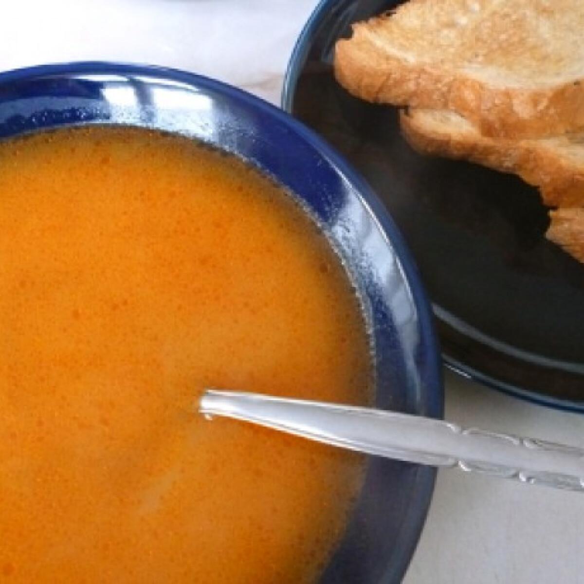 Ezen a képen: Köménymagos leves Fahéjtól