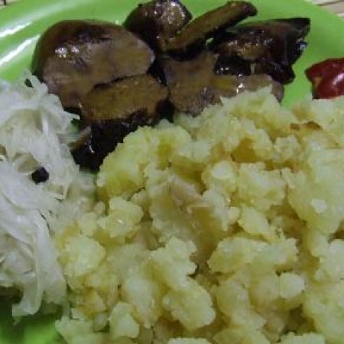 Ezen a képen: Fokhagymás sült kacsamáj