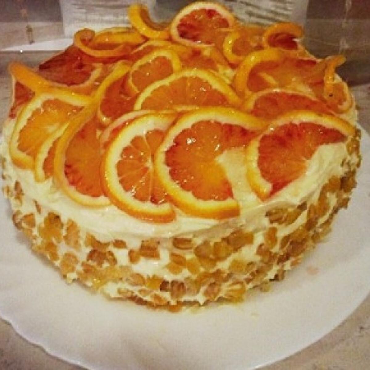 Ezen a képen: Narancsos túrótorta mpuskas konyhájából