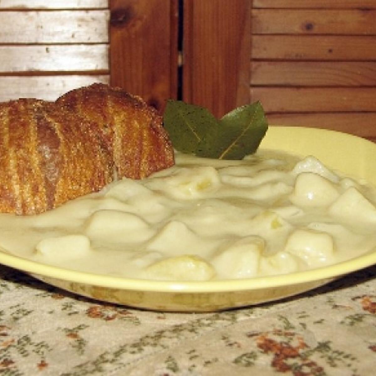 Ezen a képen: Krumplifőzelék ahogy Pipi készíti