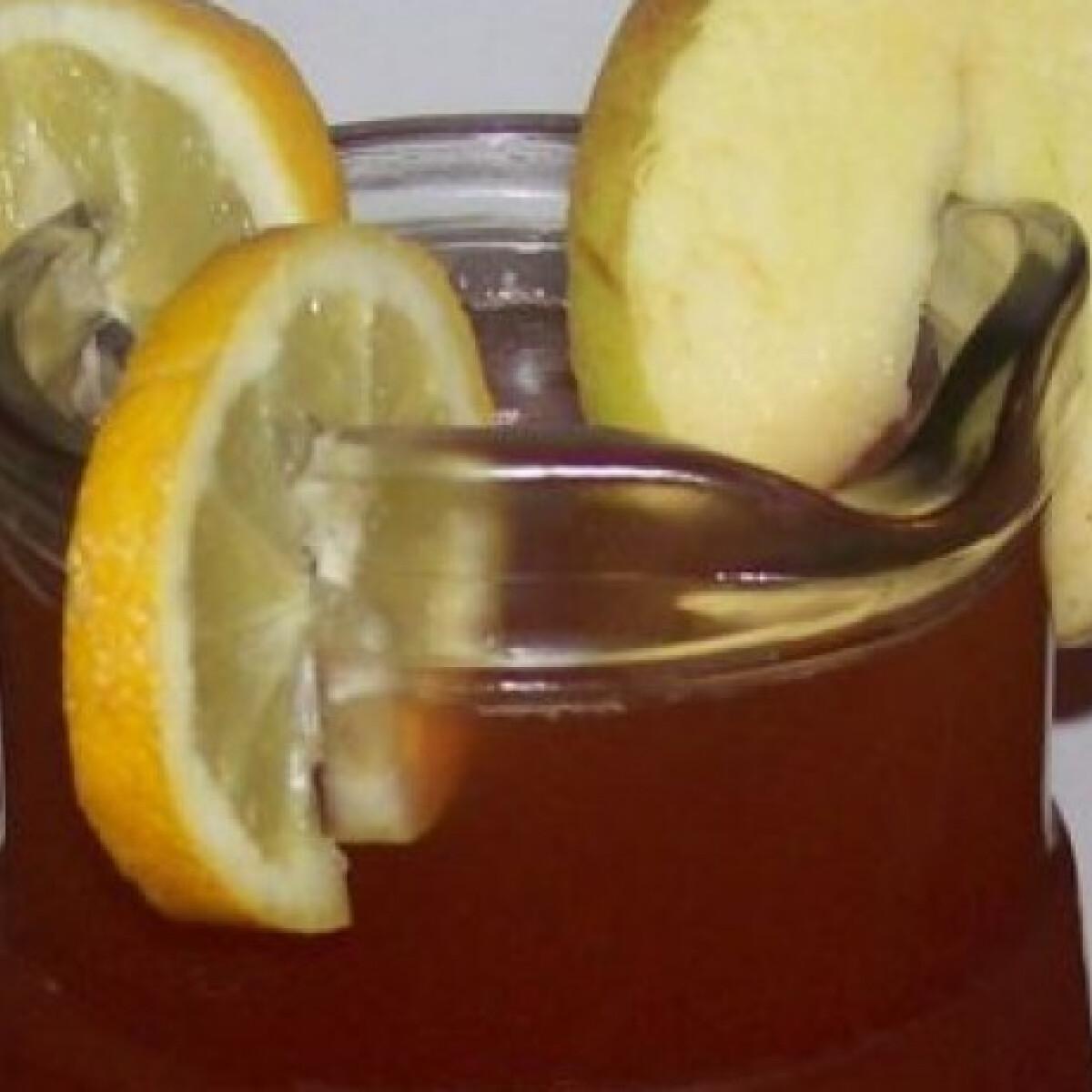 Almás forralt bor