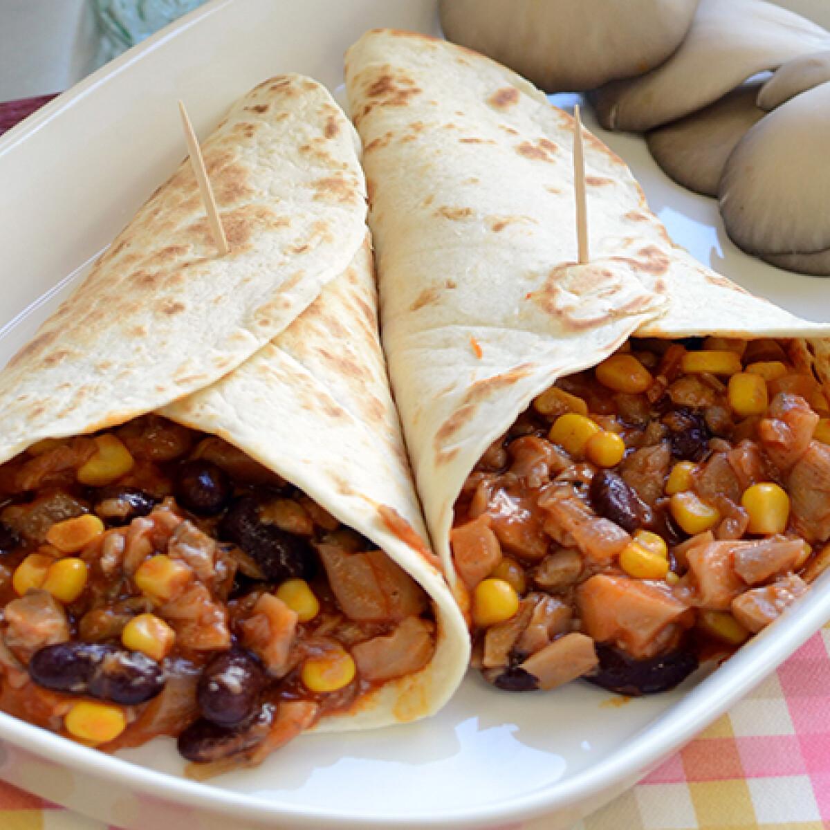 Ezen a képen: Vega chilis bab tacoba töltve