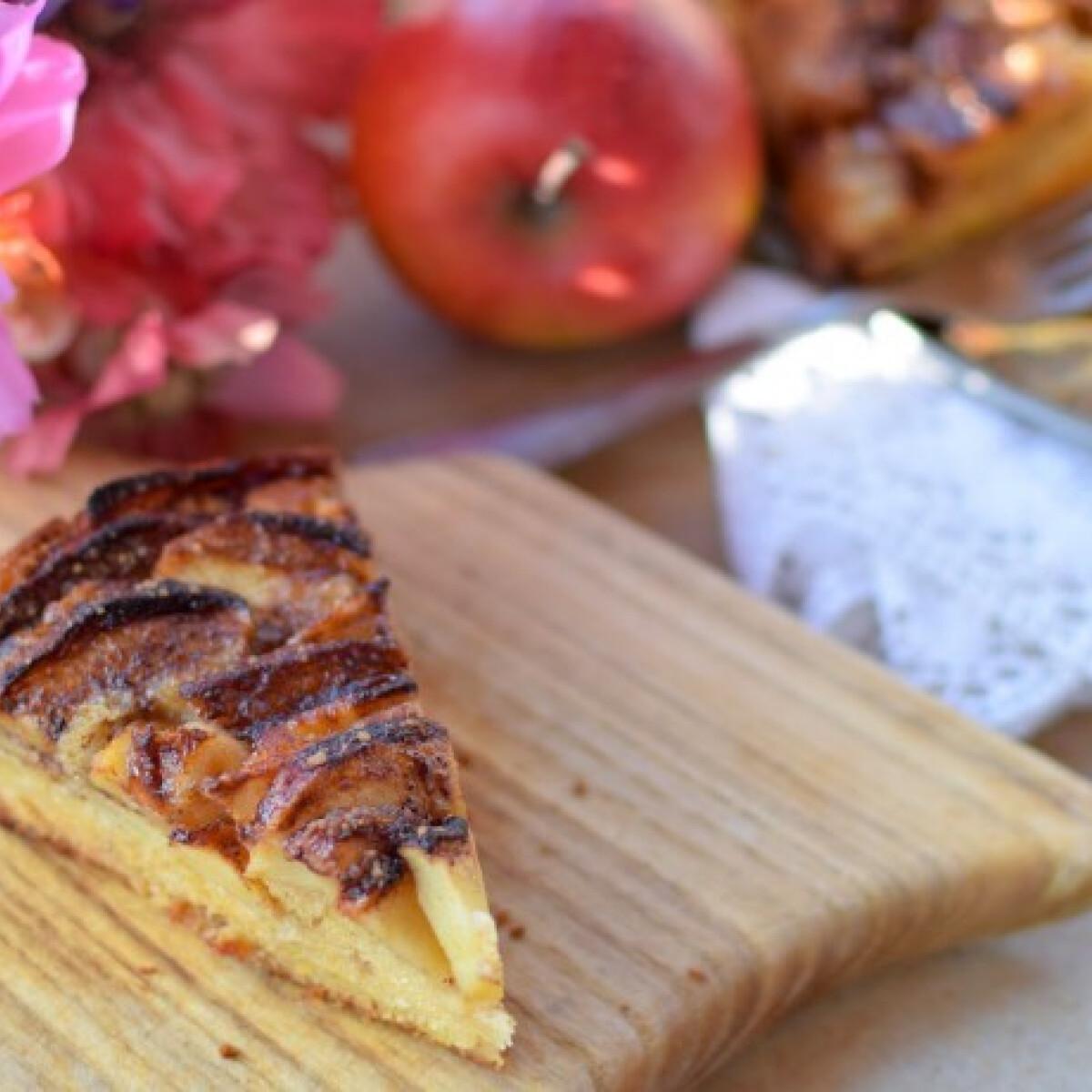 Ezen a képen: Adam bűnbánó almás pitéje