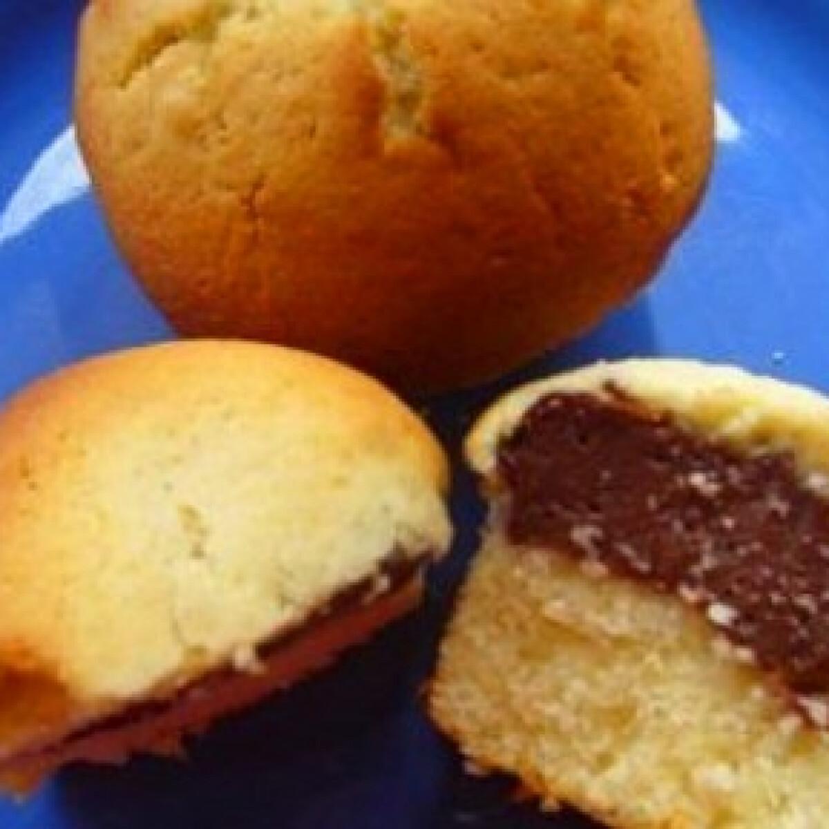 Ezen a képen: Pudinggal töltött muffin 4. - csokipudingos