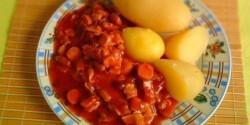 Chilis babos-baconös paradicsomszósz