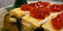 Camembert Toast kétféle áfonyalekvárral