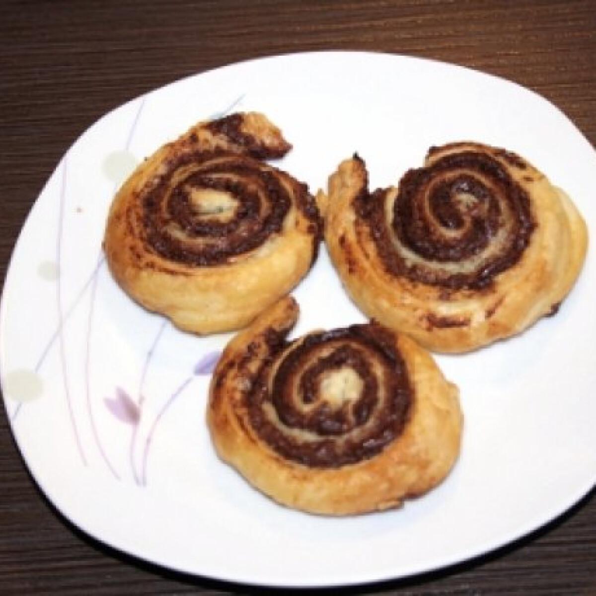 Nutellás mini csiga leveles tésztából