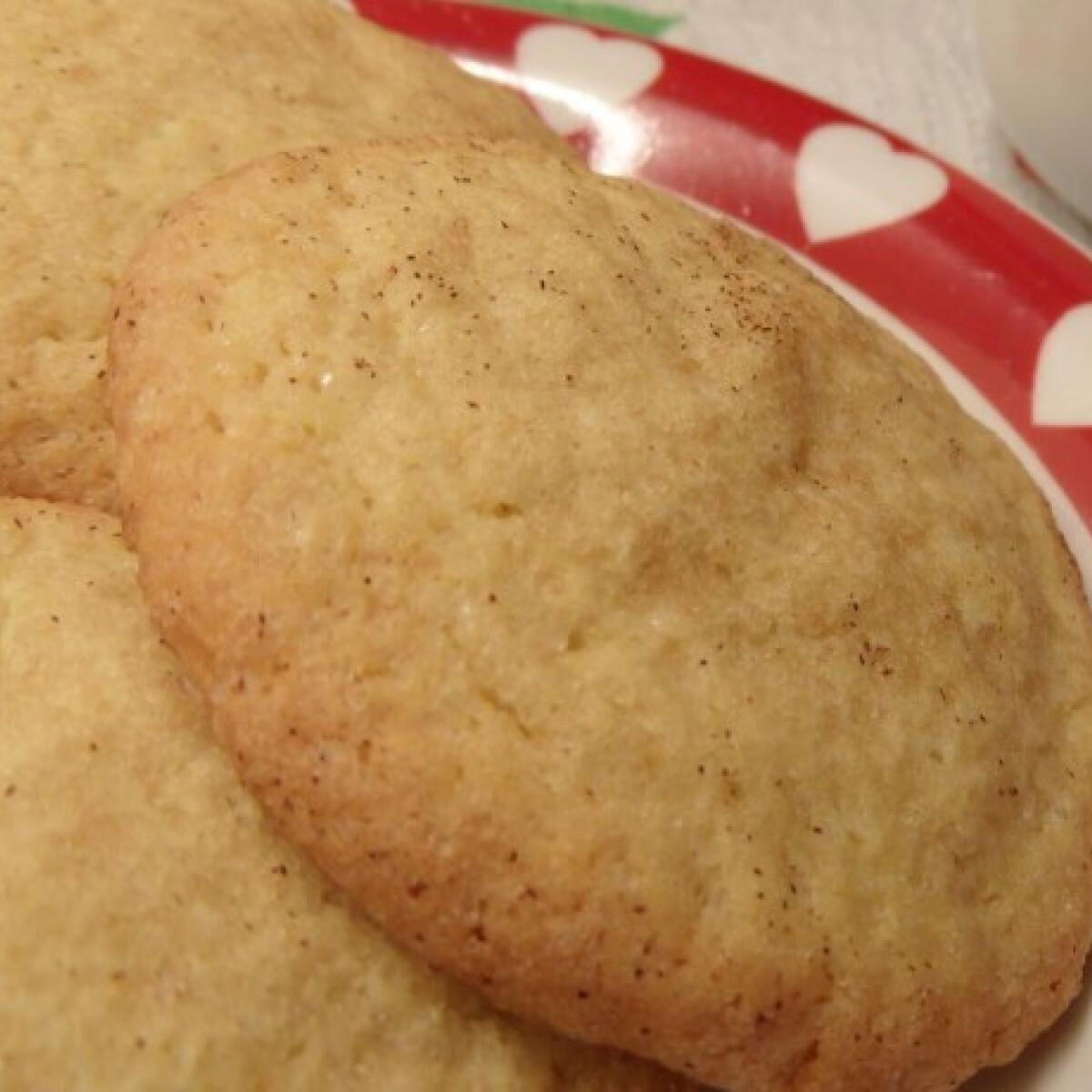 Ezen a képen: Ropogós fahéjas kekszek Olgitól