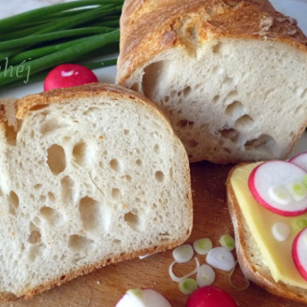 Ezen a képen: Vadkovászos hajtogatott kenyér