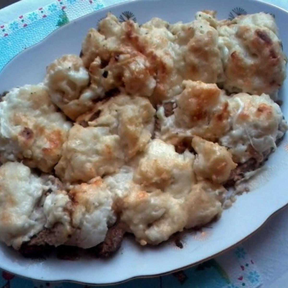 Ezen a képen: Sült malac karfiolos mártással