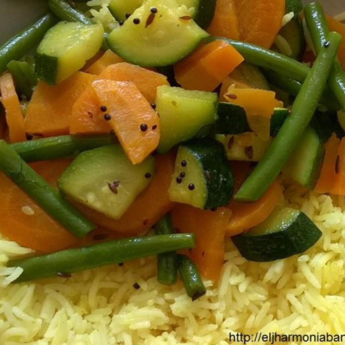 Ezen a képen: Vegyes zöldség subji - ájurvédikus zöldséges főétel