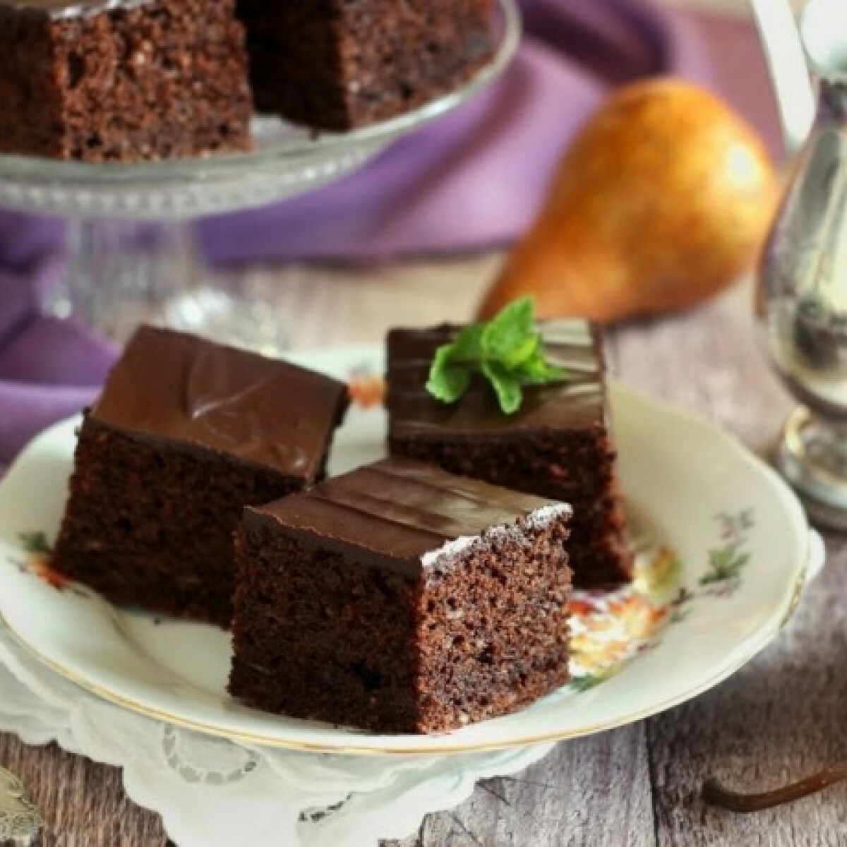 Ezen a képen: Körtés-csokis kocka
